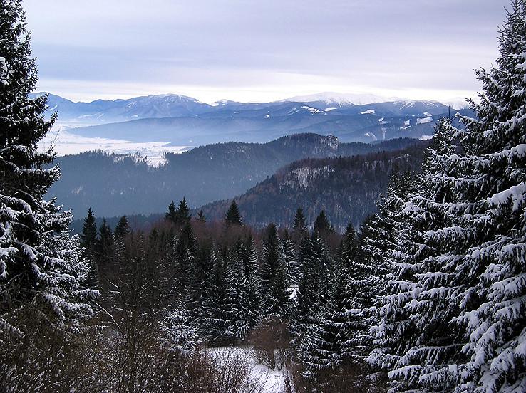 Cez hory, cez doly