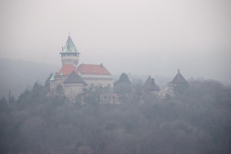 Zámok v hmle