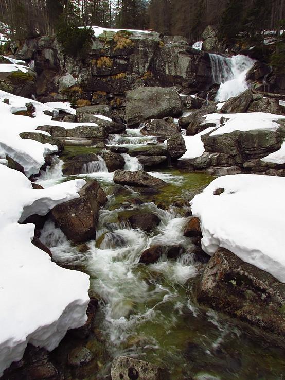 snehové mantinely