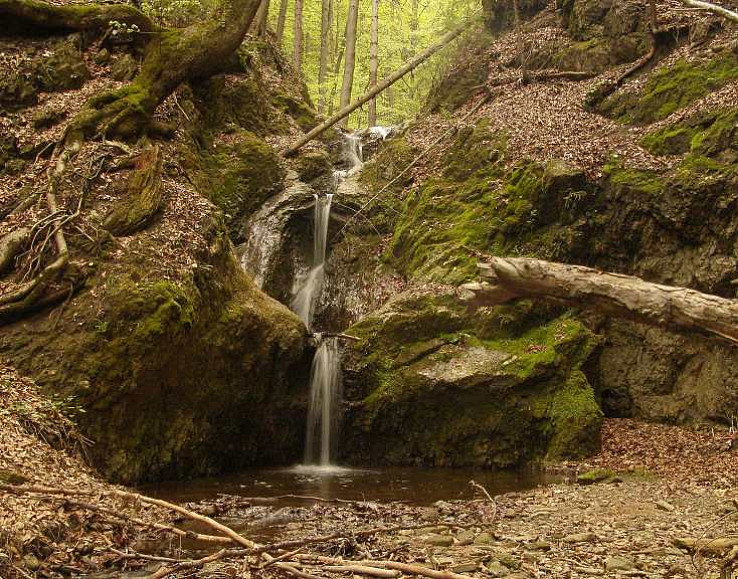 Vodopád v Lačnovskom kaňone