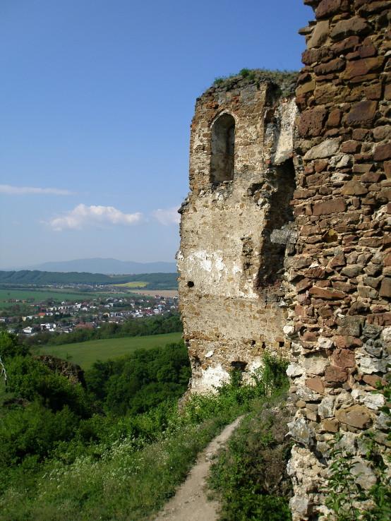 Z hradu Čičva