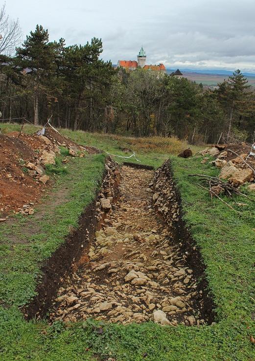 vykopávky