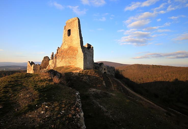 Na Čachtickom hrade II.