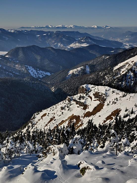 Ponad doliny a hory