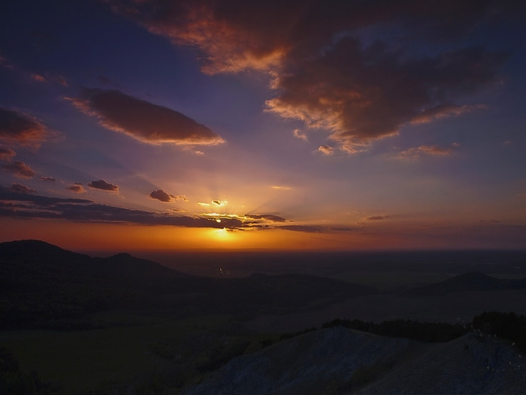 Západ slnka sponad Jelenej hory