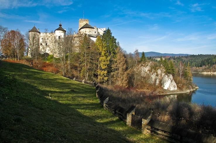 Na nádvorí hradu Niedzica