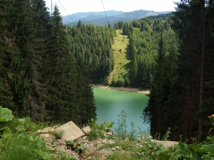 Okolo vodnej nádrže Nová Bystrica