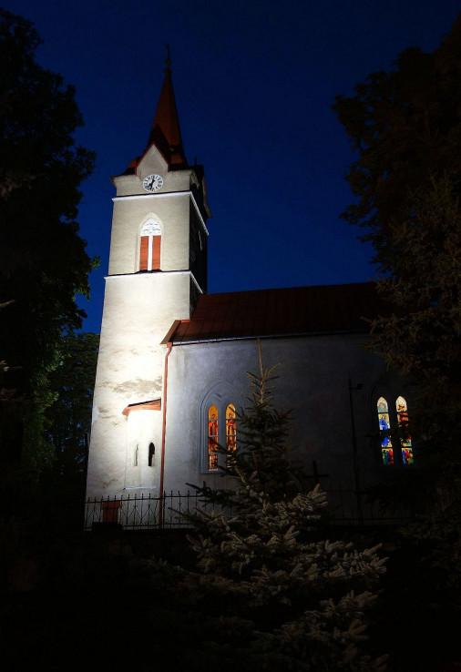 Kostol sv. Anny v obci Vinné