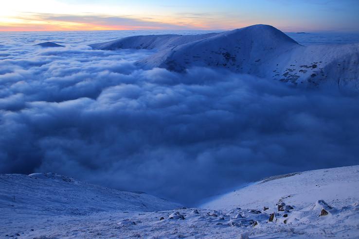 Chabenec kraľuje nad oblakmi