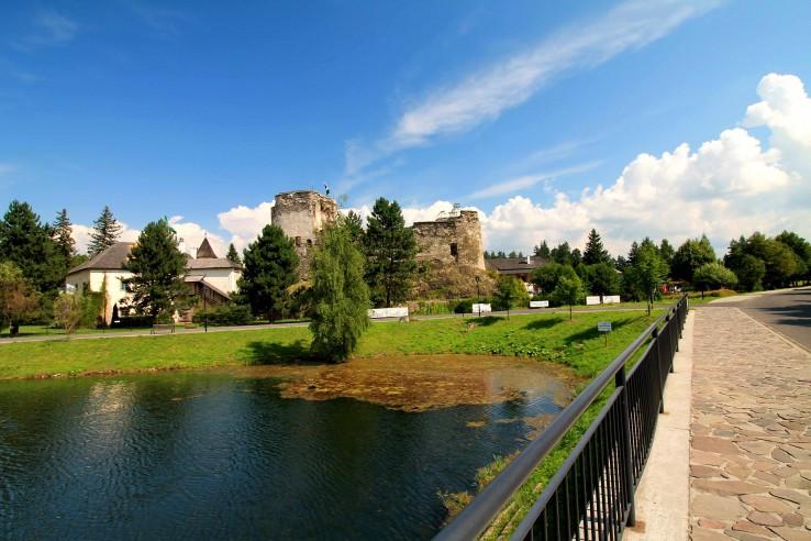 Hrad a Kaštieľ Grand Castle