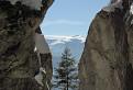 Cez skalnú štrbinu
