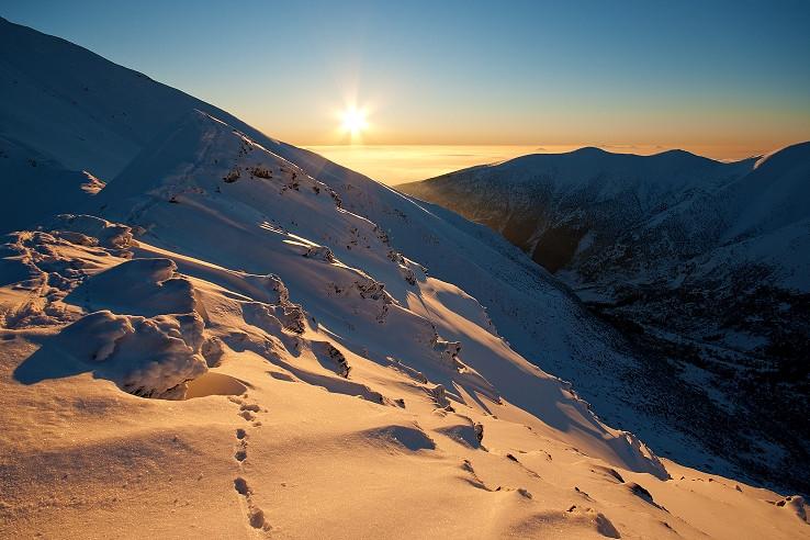 Sledovanie slnka...