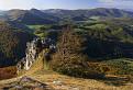 Výhľad z vrchu Vápeč na Homôlku a Baske