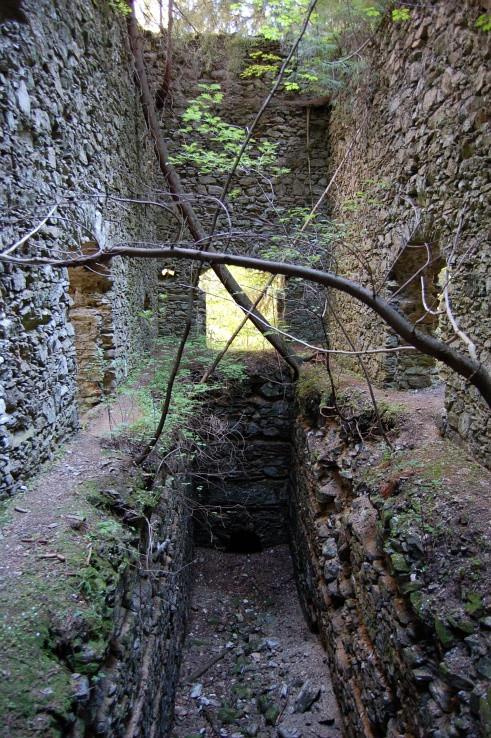 Stare Hory - vstup do bane