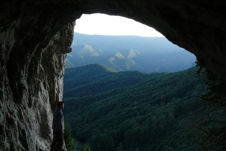 Jaskyňa v Lopatách