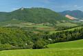 Hradová a Čremošná nad Tisovcom zo sedla nad Dolinkami