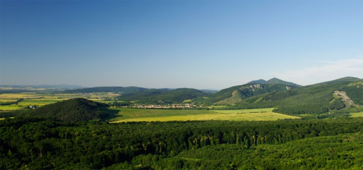 Výhľad z Plaveckého hradu
