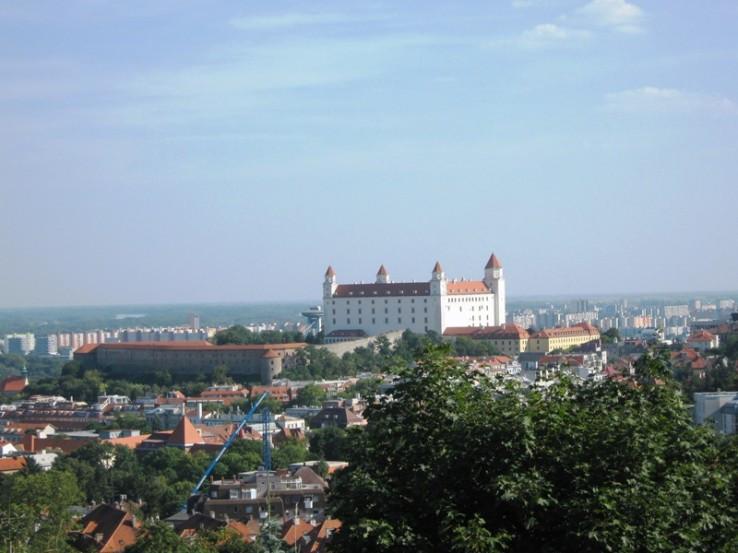 Bratislavský hrad zo Slavína