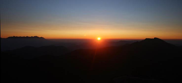 Východ slnka medzi Tatrami