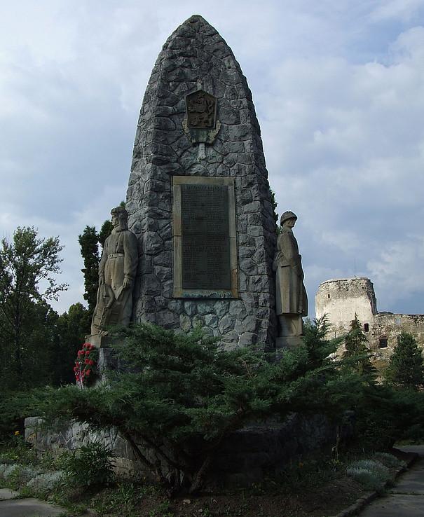 Pamätník pri Liptov.Hrádku