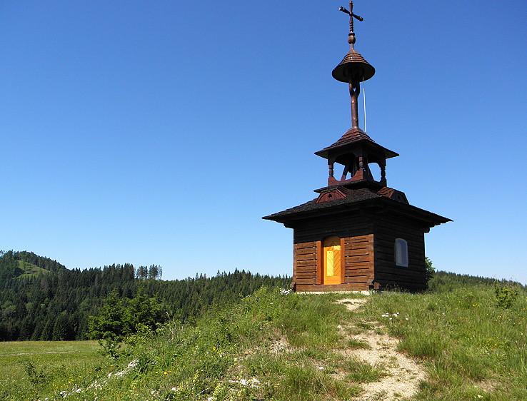 Zvonica nad Lutišami