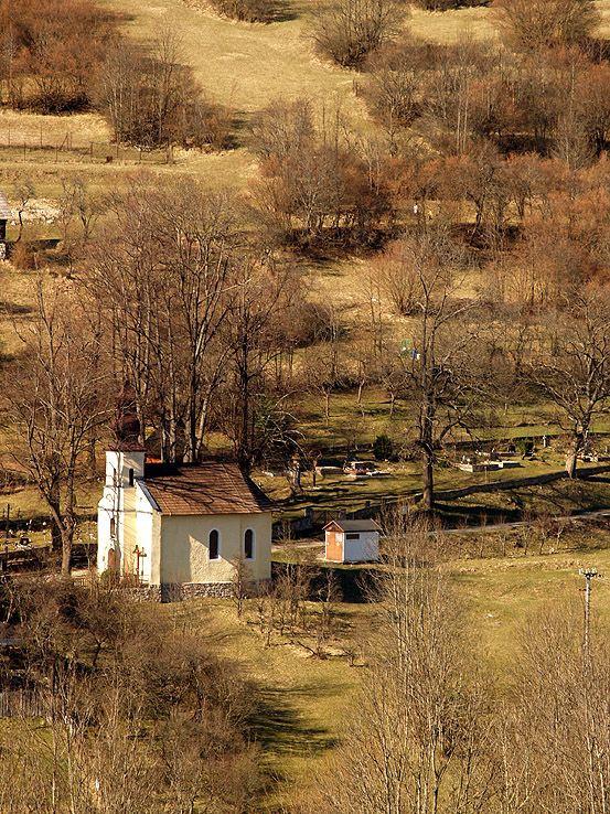 Kostolík vo Vlkolínci