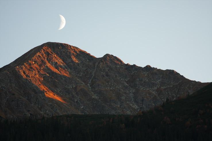 Mesiac nad Pachoľaťom.