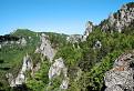 Pohľady zo skalných výhliadok na Súľovské skaly.