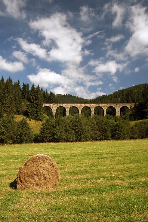 Balík a viadukt