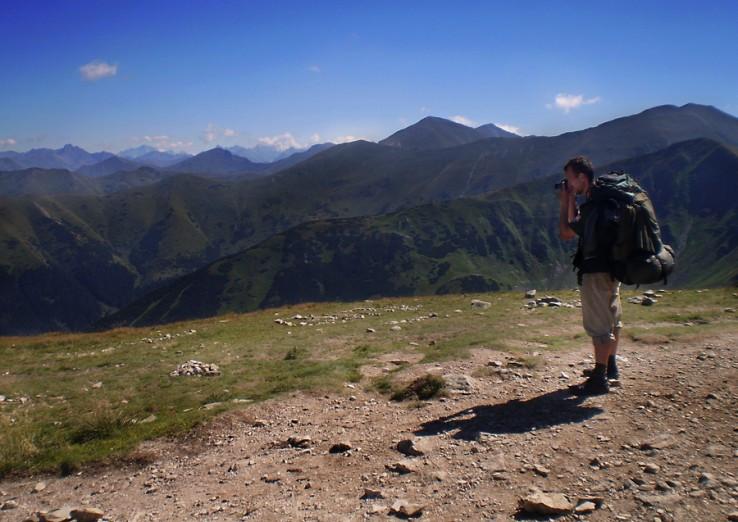 Peter pri ceste co sedla Zábrať