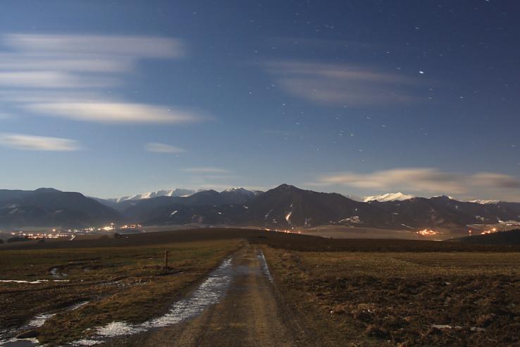 Noc nad Nízkymi Tatrami