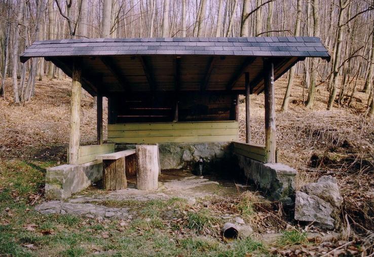 Mangánová studnička - Červený domček
