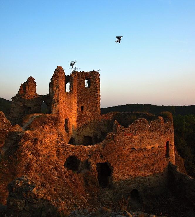 Rogalo nad Jasenovským hradom II.