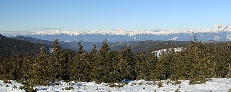 Panoráma Západných Tatier z Andrejcovej