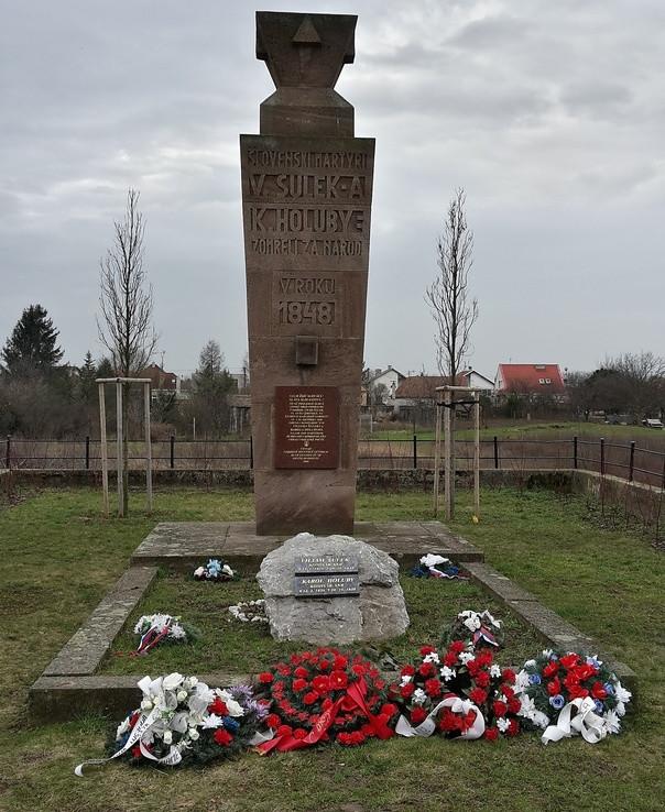 Pomník Šulek a Holuby