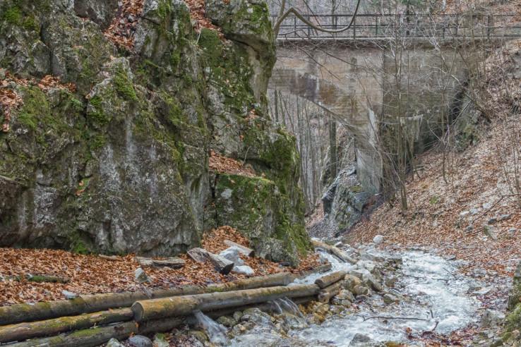 Vodný žľab v doline Rakytovo
