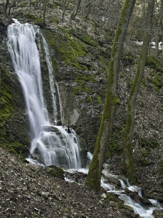 Tečúci Hlbočský vodopád