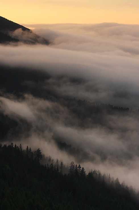 Hmly pod Mníchom a Ráztokou