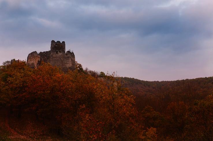 Čabradský hrad v jeseň