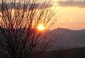 Jesenný západ slnka nad Lietavským hradom