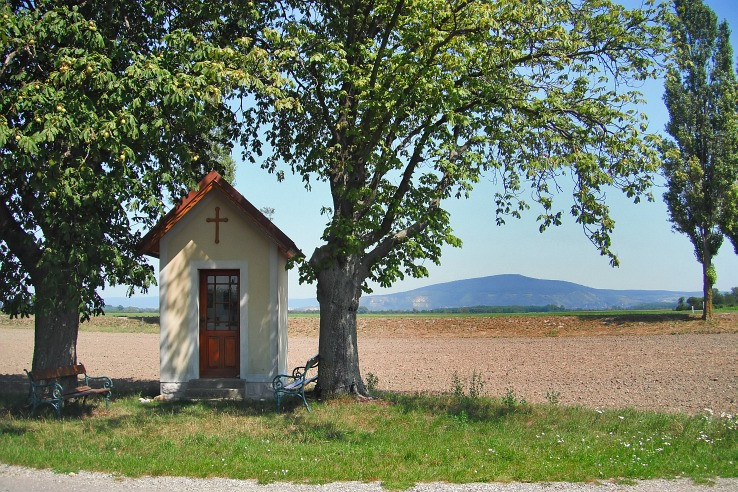 kaplnka a Devinska Kobyla