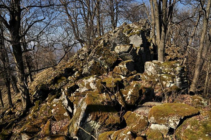 Skalnatým terénom Drastvice II.