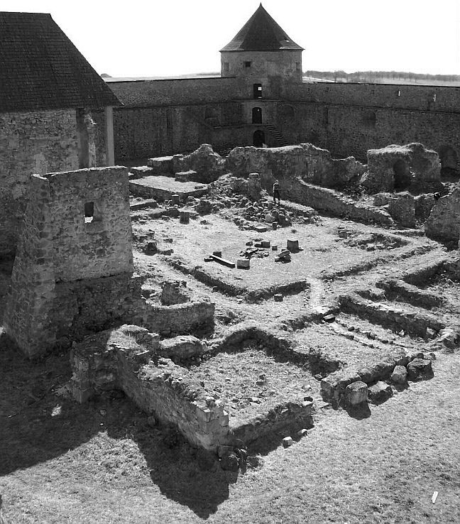 Bzovícky kláštor