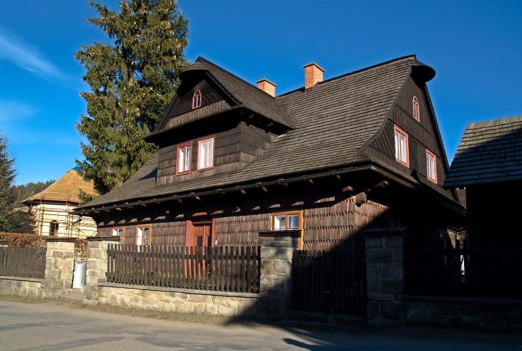 Seriálový dom