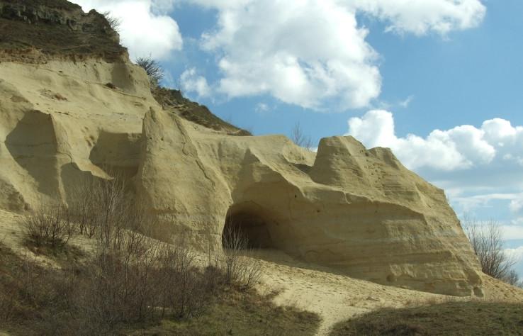 Pieskovcová jaskyňa