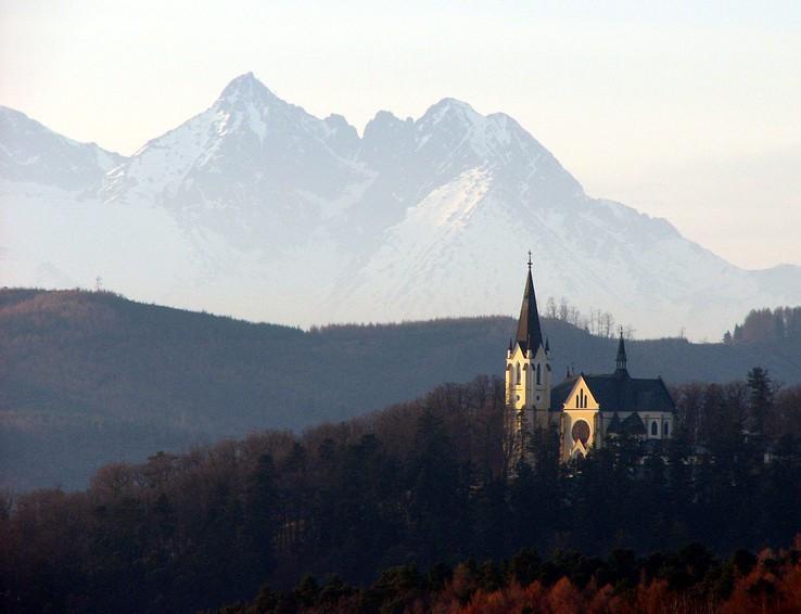 Mariánska hora teleobjektívom