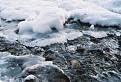 potok v zime