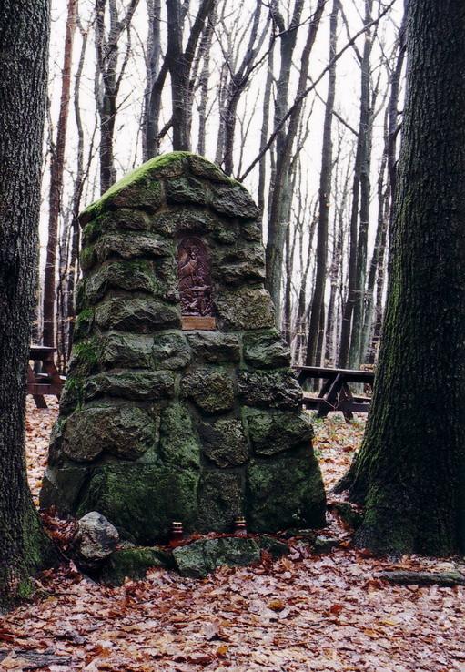 Haluzického pomník