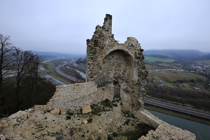 Z Považského hradu