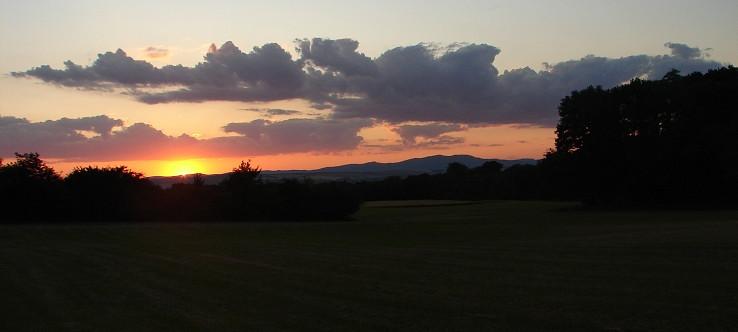 zapad slnka nad Považským Inovcom